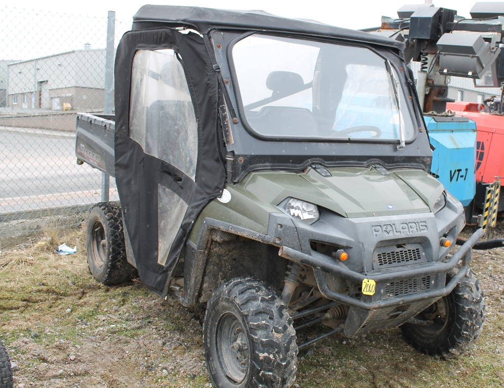 Lot 2040 - POLARIS 4 X 4 SY61 CRZ KEY IN P/CABIN