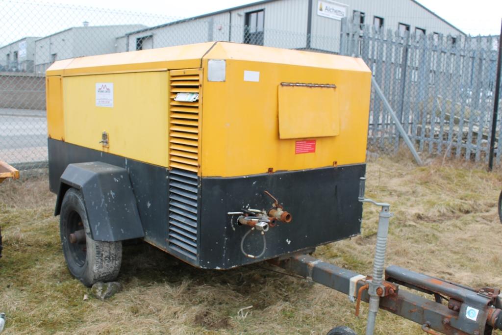 Lot 2046 - INGERSOLL RAND XR380P COMPRESSOR