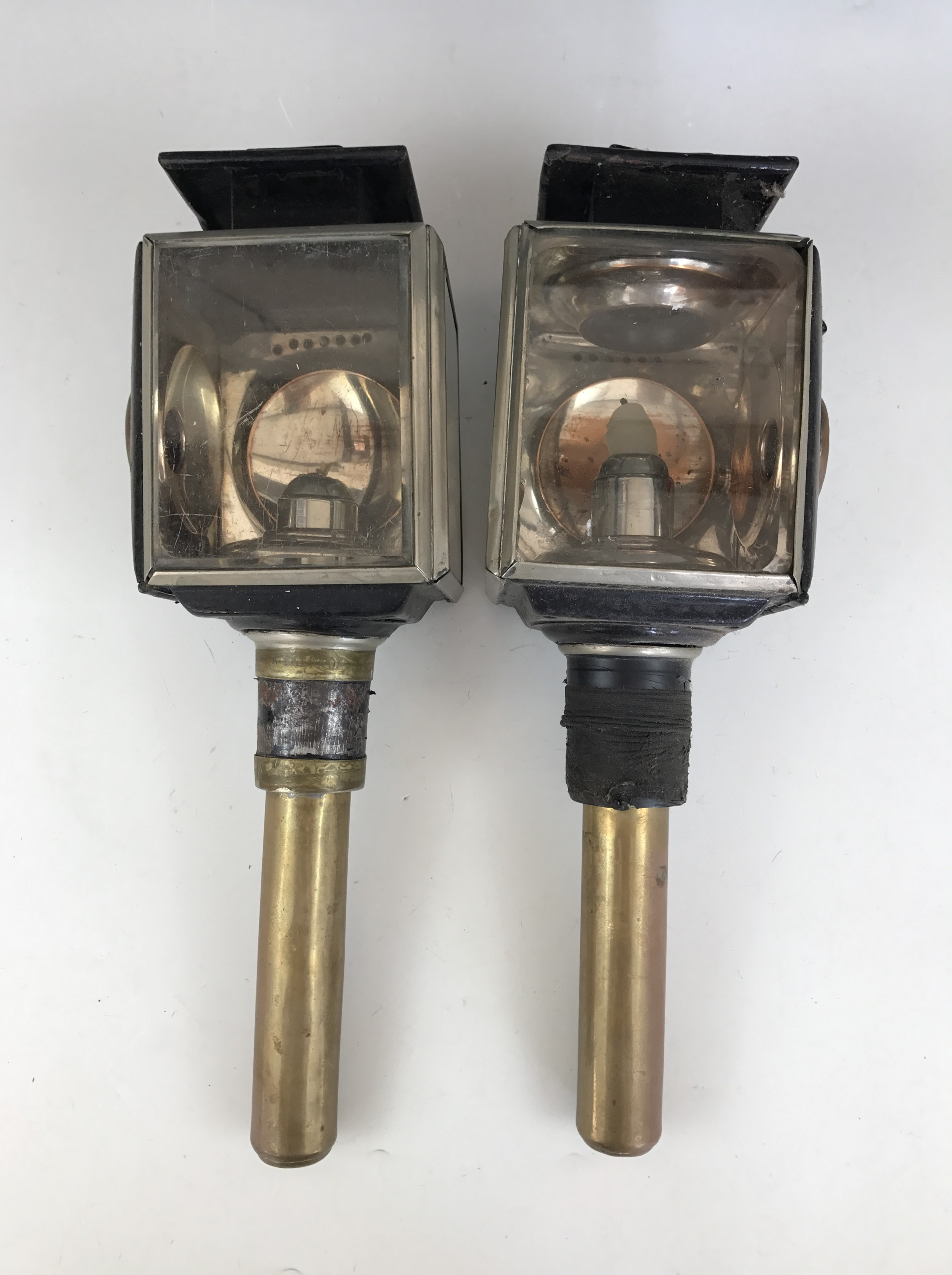 Lot 30 - A pair of 19th Century Mills and Sons patent carriage candle lamps