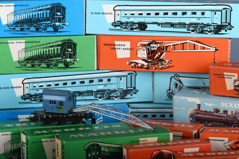 """Märklin – Eisenbahn H0, in OriginalkästenTenderlokomotive BR 89, Nr. 3000; Kranwagen """"Krupp-Ardelt"""","""