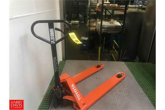 Toyota Hydraulic Pallet Jack Rigging Fee: 30