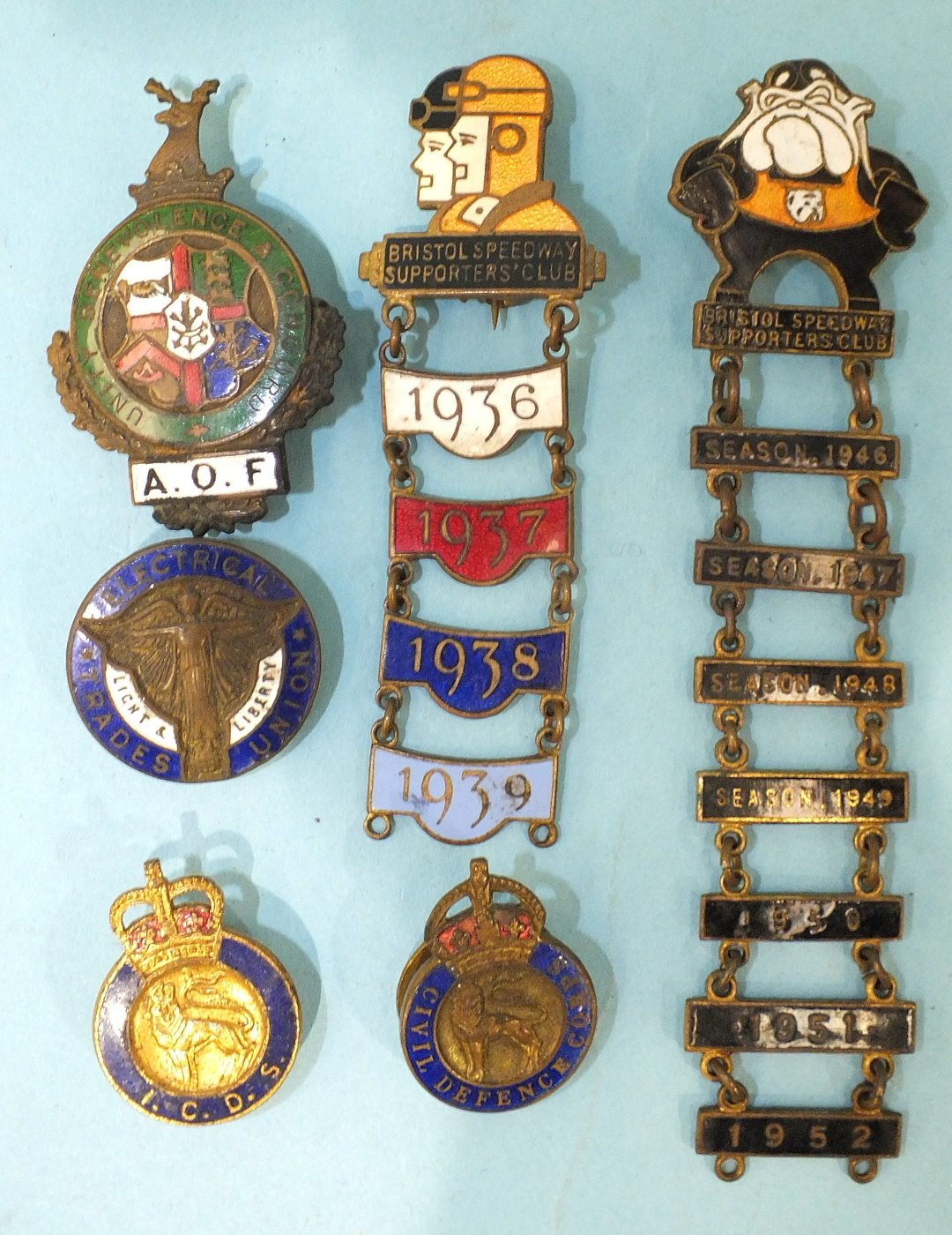 Lot 553 - An original 1930's Bristol Speedway badge by Thomas Fattorini, with season bars for 1936/37/38/39,