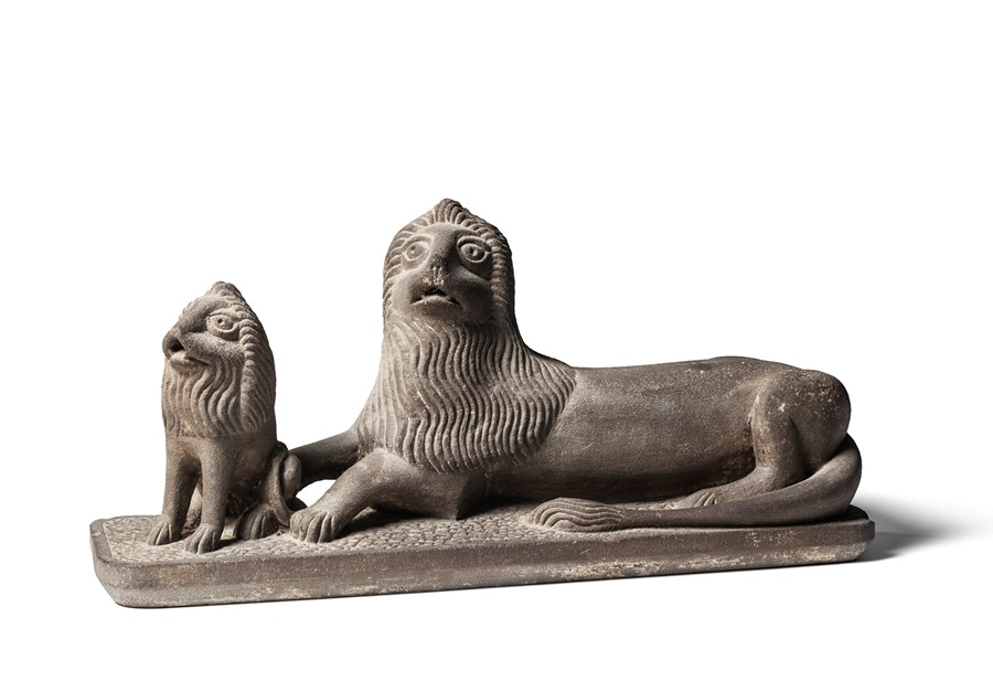 Lot 22 - An English stone sculpture of a lion and cub, late 19th century, probably North Country