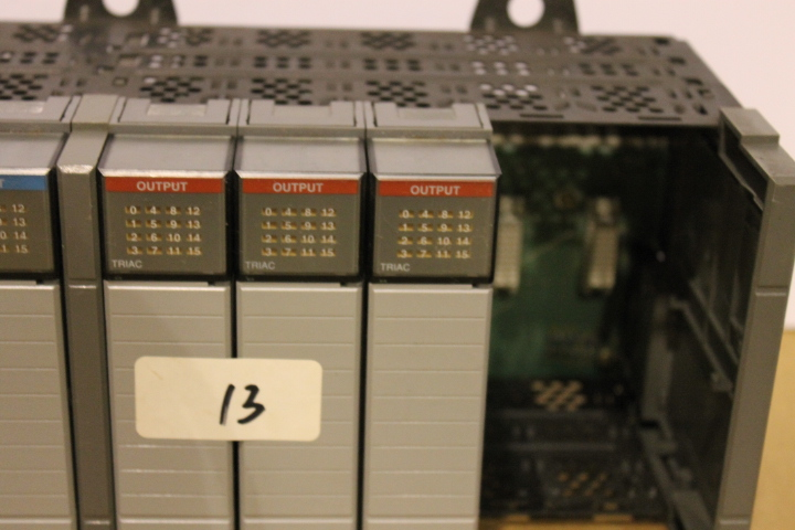Lot 13 - ALLEN-BRADLEY SLC 500 RACK W/ VARIOUS CARDS (SEE PICTURES)