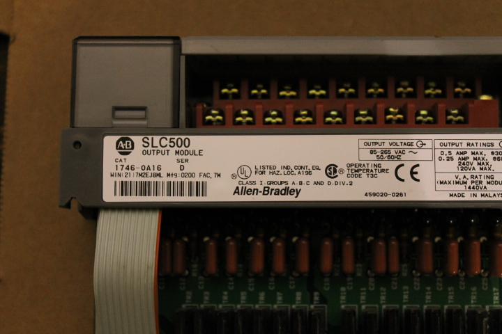 Lot 5 - ALLEN-BRADLEY SLC 500 RACK W/ VARIOUS CARDS (SEE PICTURES)