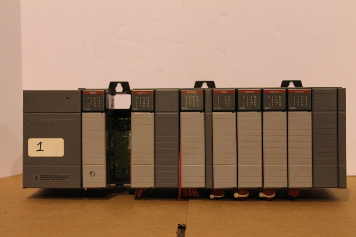 Lot 1 - ALLEN-BRADLEY SLC 500 RACK W/ VARIOUS CARDS (SEE PICTURES) & 1746-P2 POWER SUPPLY
