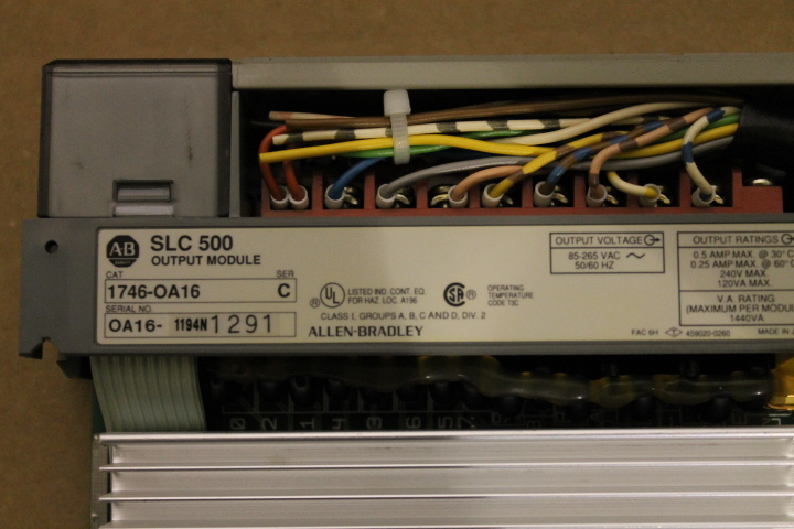 Lot 15 - ALLEN-BRADLEY SLC 500 RACK W/ VARIOUS CARDS (SEE PICTURES)