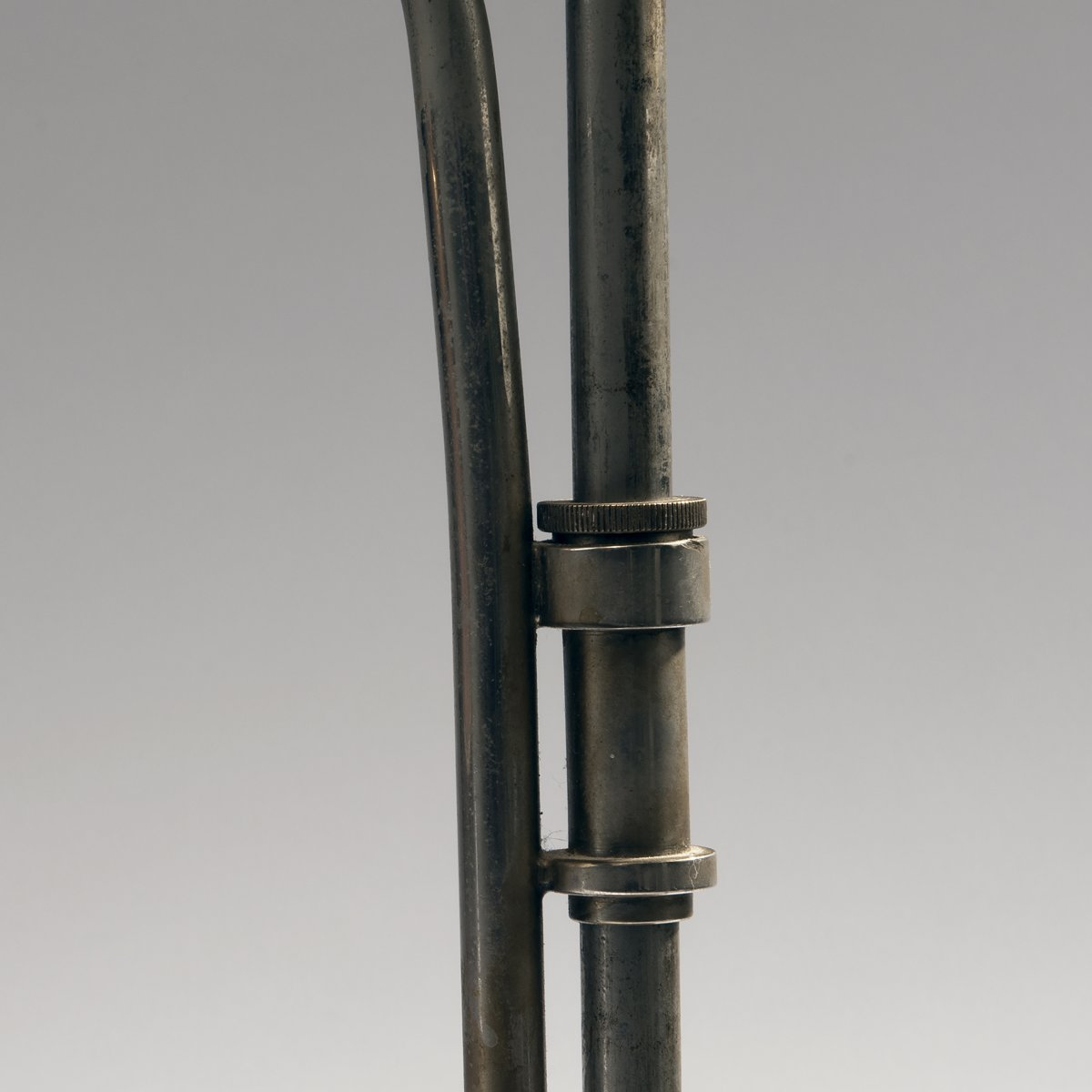 Los 39 - Christian Dell, Kleine Tischleuchte 'Rondella', um 1928Kleine Tischleuchte 'Rondella', um 1928H.