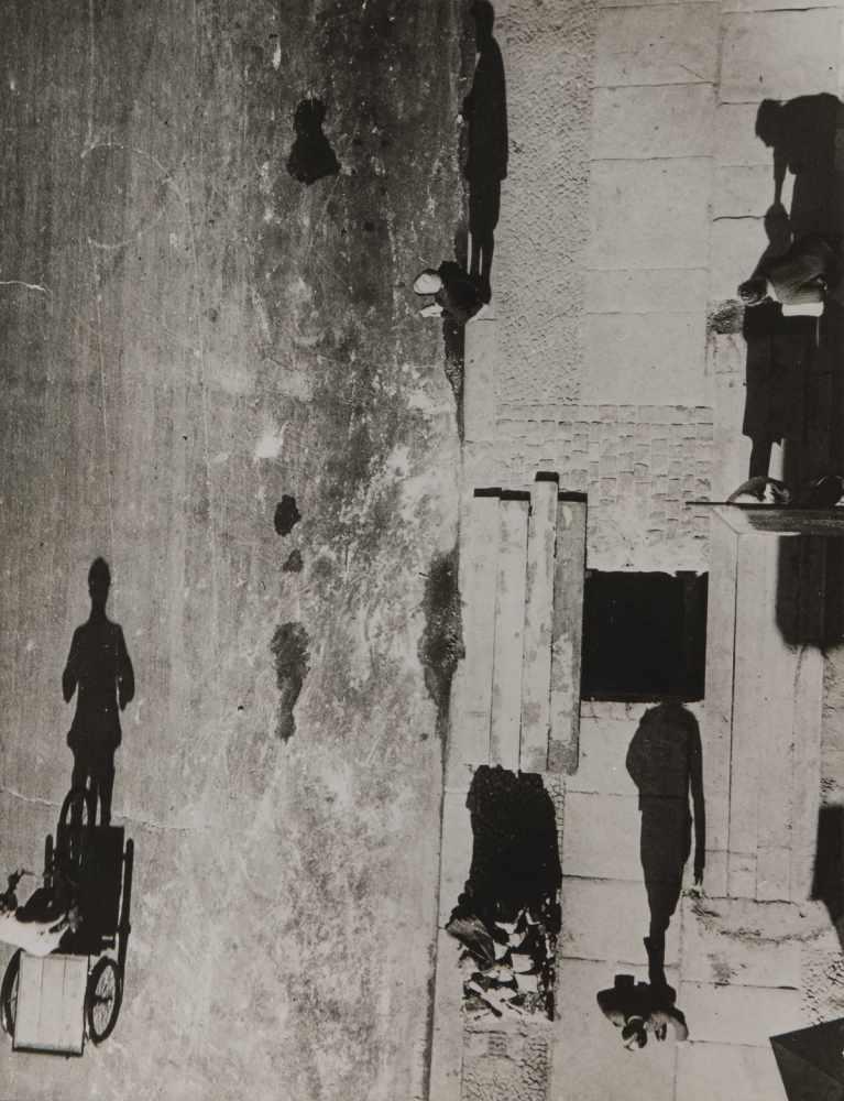 Los 42 - Umbo (Otto Maximilian Umbehr), 'Unheimliche Straße', 1928 (Abzug später, wohl 1980er Jahre)'
