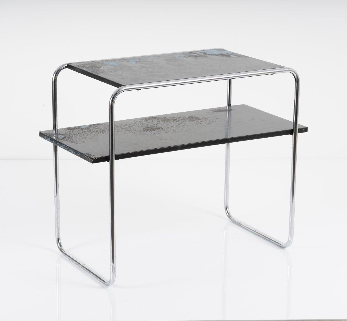 Los 37 - Marcel Breuer, Ablegetisch 'B 12', um 1927Ablegetisch 'B 12', um 1927H. 60,5 x 76 x 38,5 cm; Ø 1,6