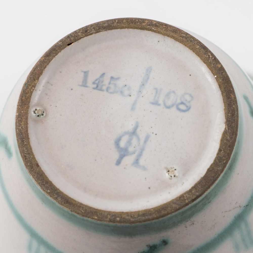Los 50 - Margarete Heymann-Marks, Kleine Vase, um 1929Kleine Vase, um 1929H. 10 cm. Hael-Werkstätten,