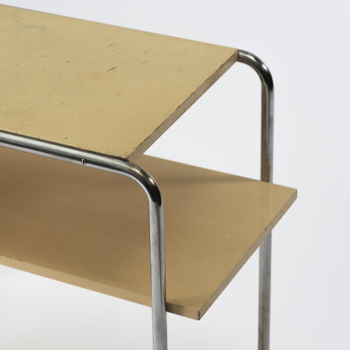 Los 36 - Marcel Breuer, Ablegetisch 'B 12', um 1927Ablegetisch 'B 12', um 1927H. 60,5 x 75,5 x 38 cm; Ø 2,0