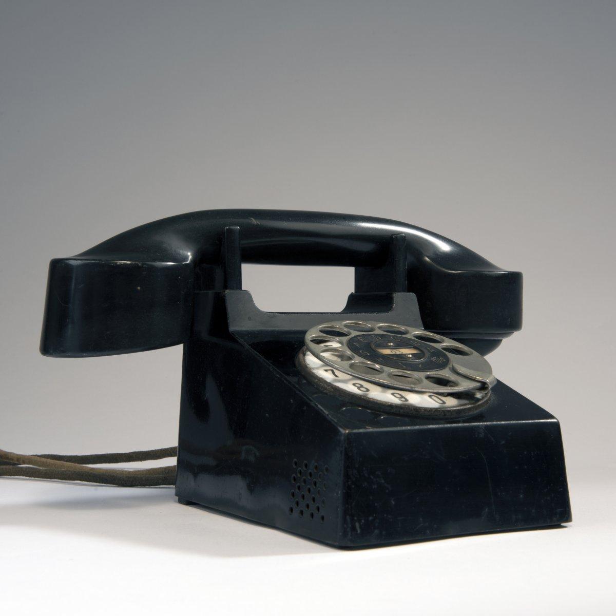 Los 55 - Frankfurt , 'Bauhaus' Telefon 'Modell Frankfurt', 1929'Bauhaus' Telefon 'Modell Frankfurt', 1929H.