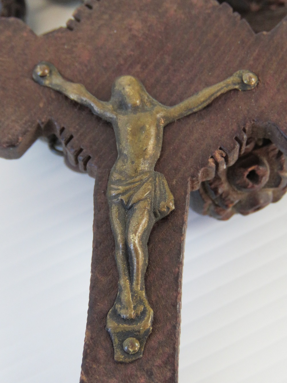 A large vintage carved set of rosary bea - Image 4 of 4