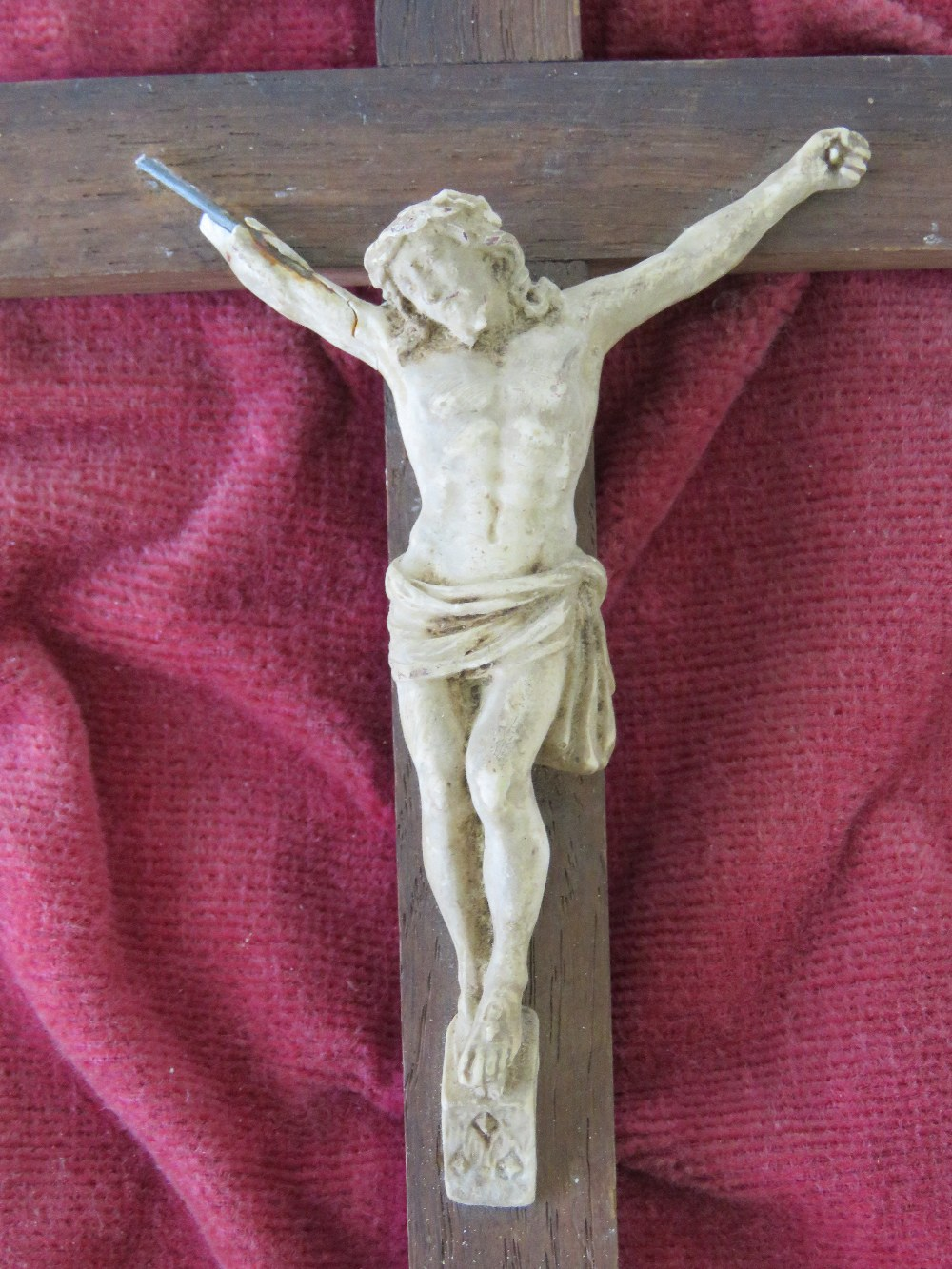 A 19th century figure of Christ upon the - Image 2 of 2