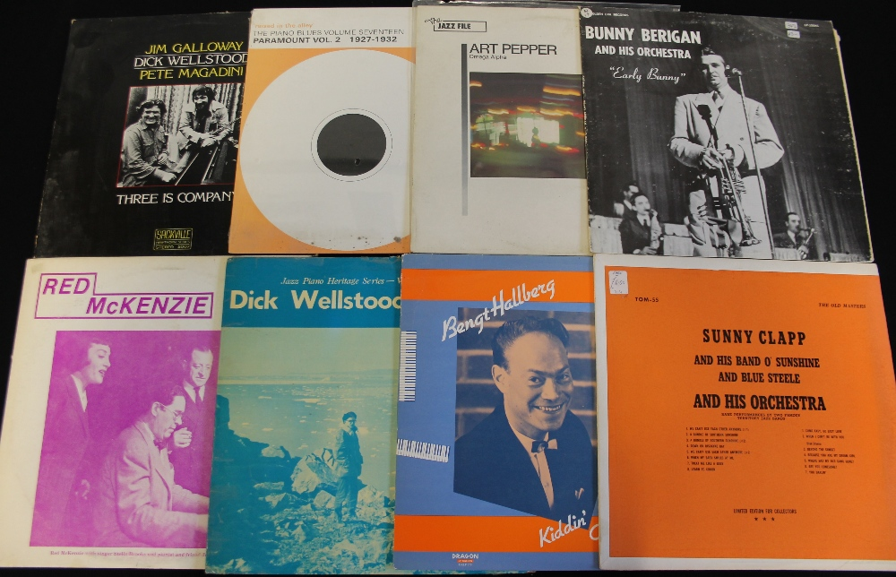 Lot 4 - JAZZ - LPs - 94 x LPs for your listening pleasure here! Artists/titles include Philly Joe Jones