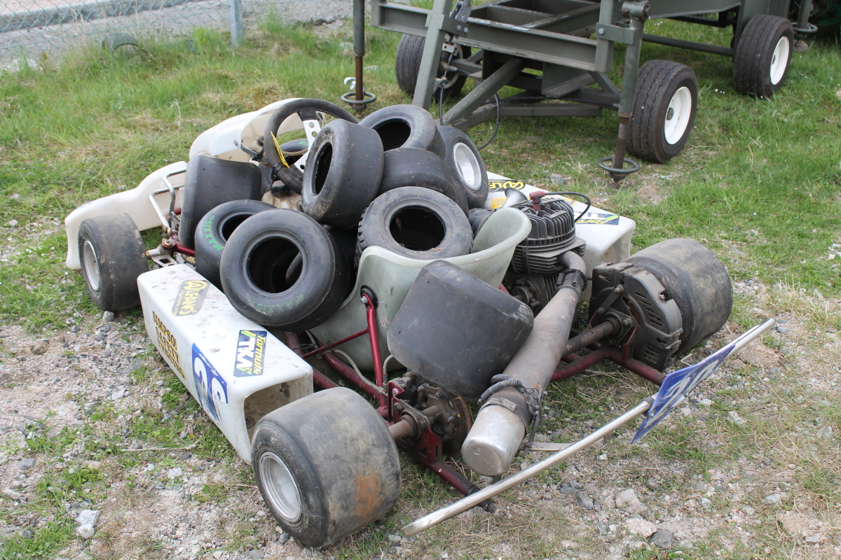 Lot 2053 - GO KART C/W SPARE WHEEL & TYRE