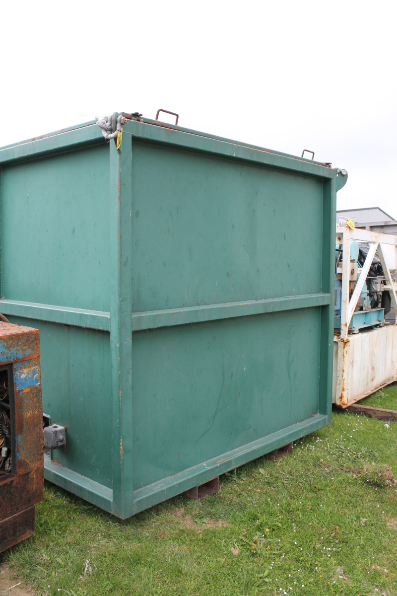Lot 2046 - GREEN STEEL BOX UNIT 210X210X1300M