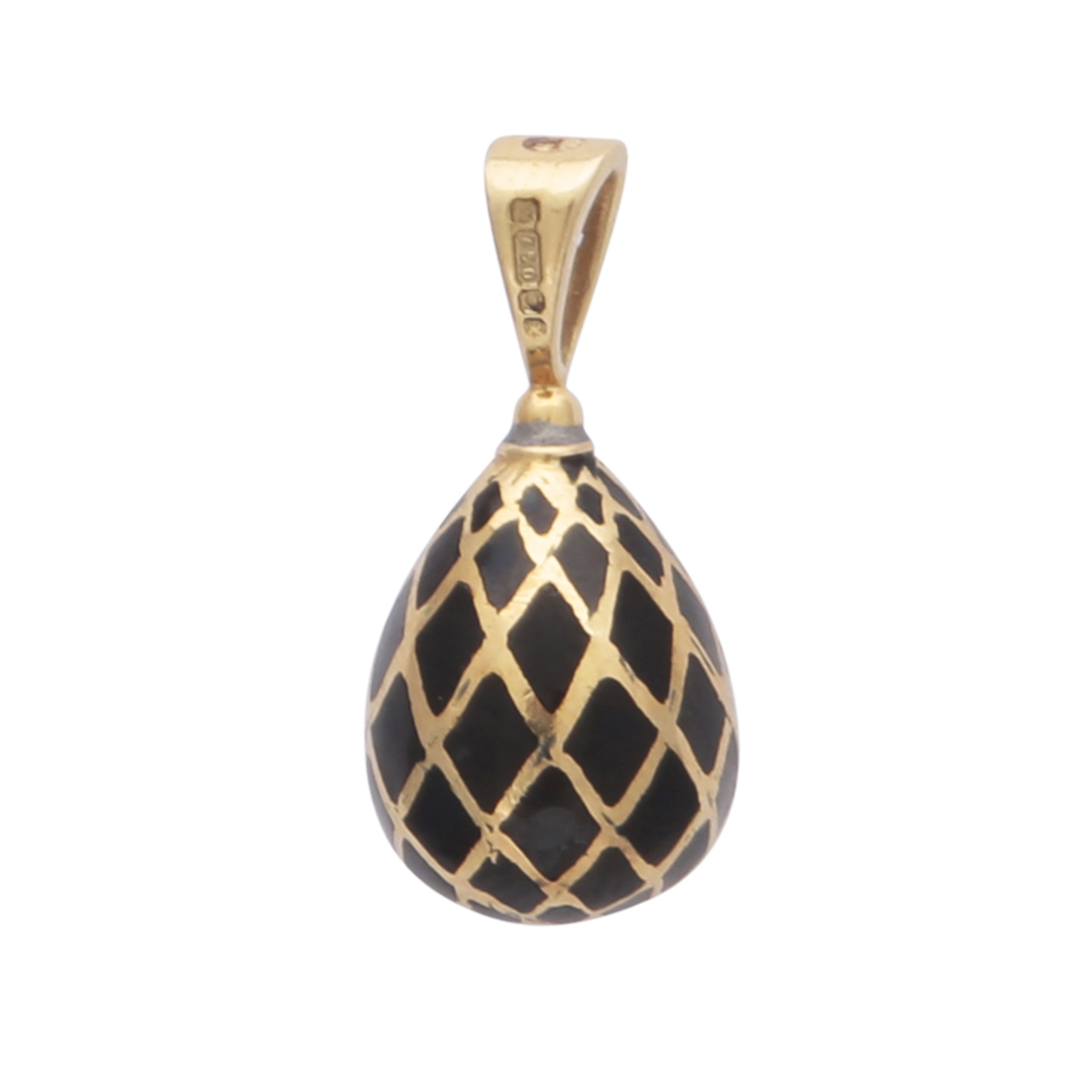 Los 164 - SARAH FABERGE - A contemporary enamelled egg pendant in 18ct yellow gold by Sarah Faberge,