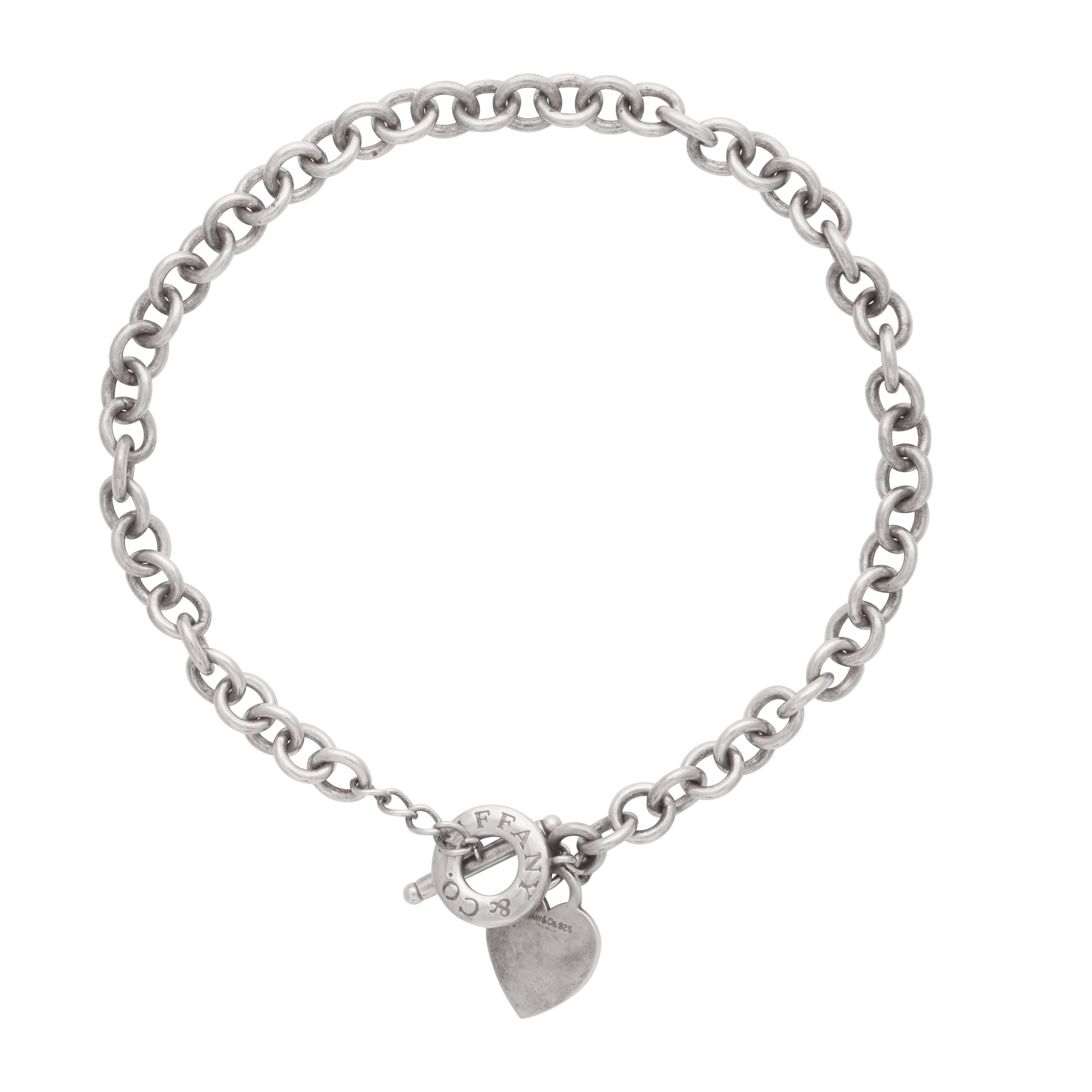 Los 197 - TIFFANY & CO - A belcher link chain necklace formed of a curb link chain with t-bar and clasp,