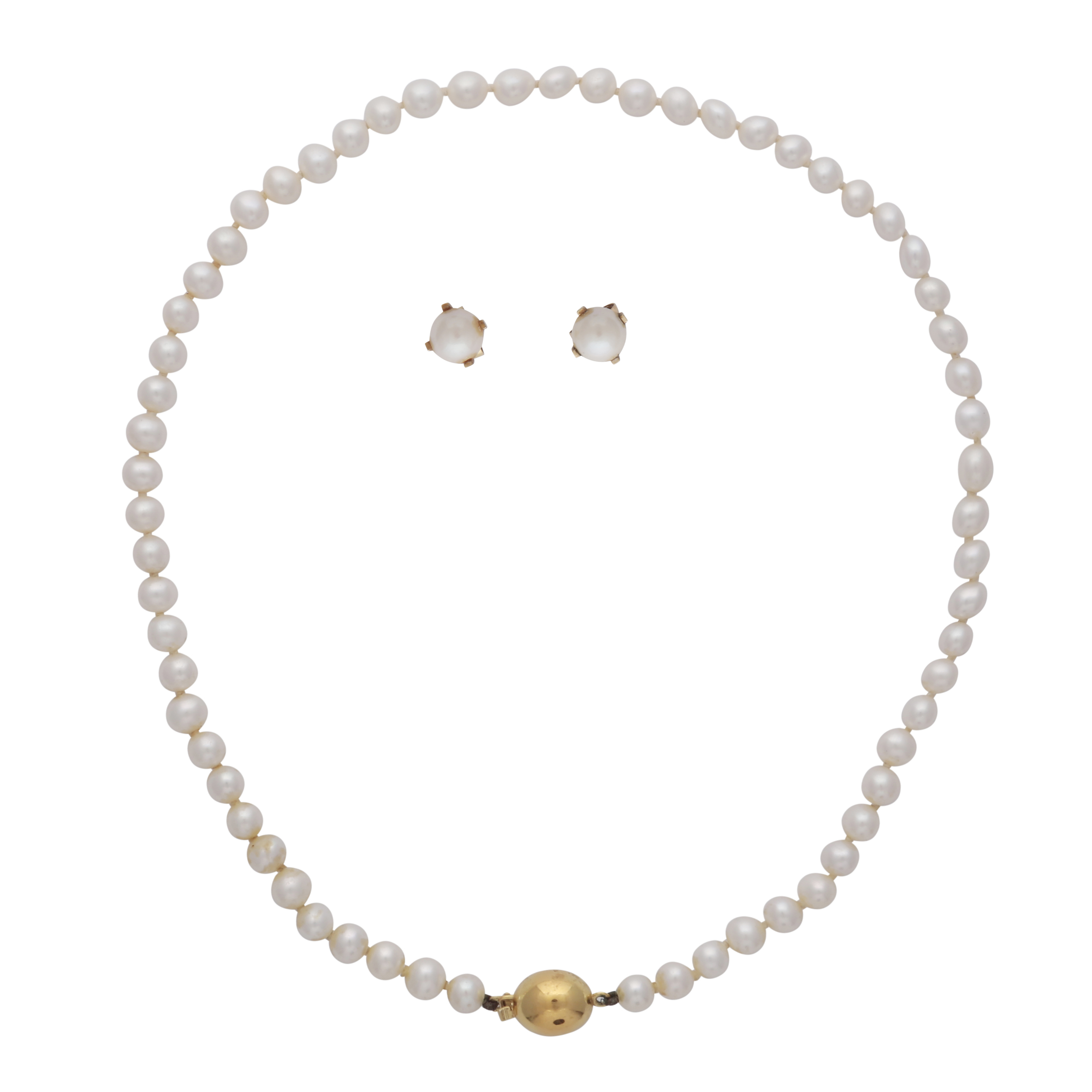 Los 172 - A pearl necklace with 9ct yellow gold clasp, together with a pair of pearl earrings, also in 9ct