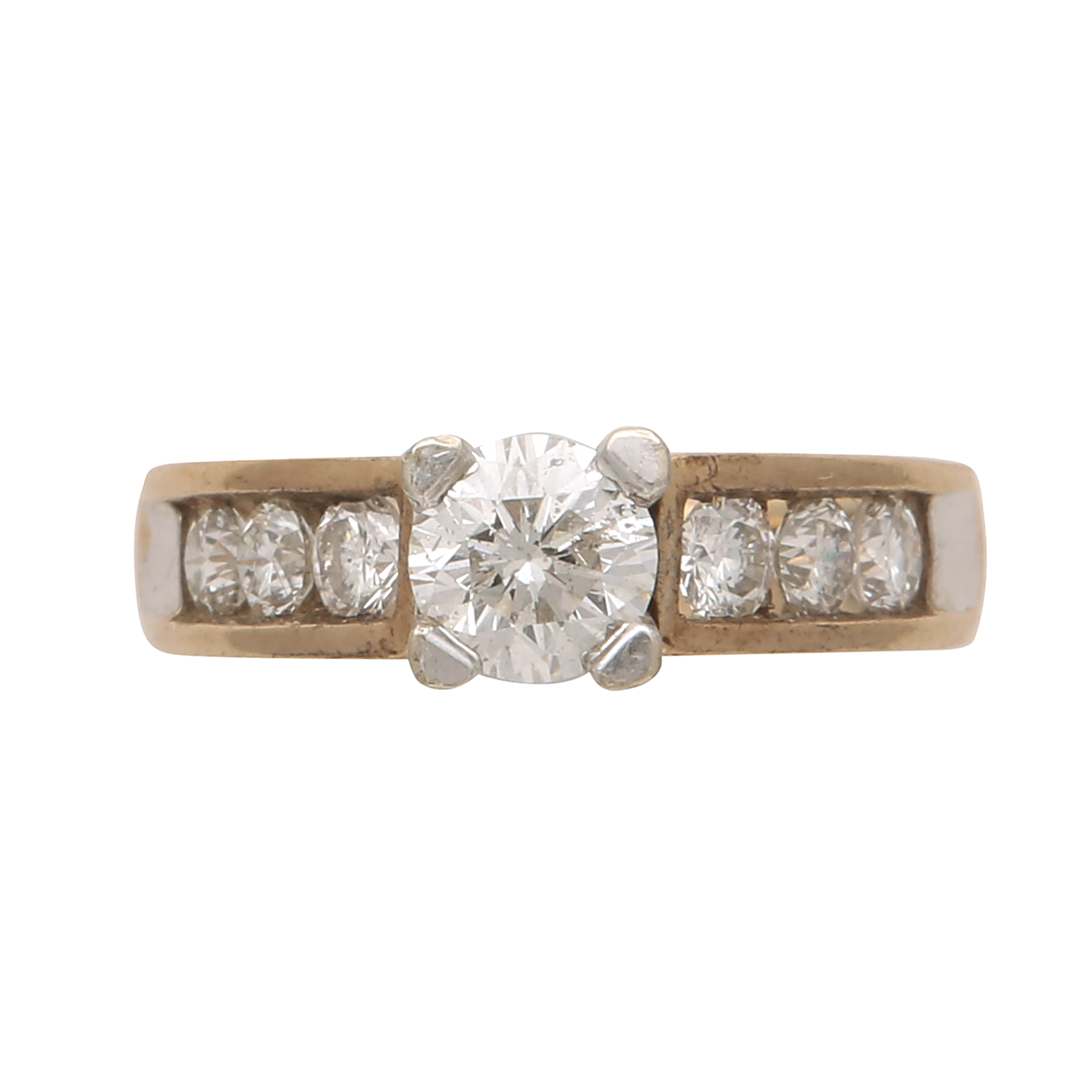 Los 183 - A diamond dress ring in yellow gold set with a round cut stone weighing approximately 0.76cts,