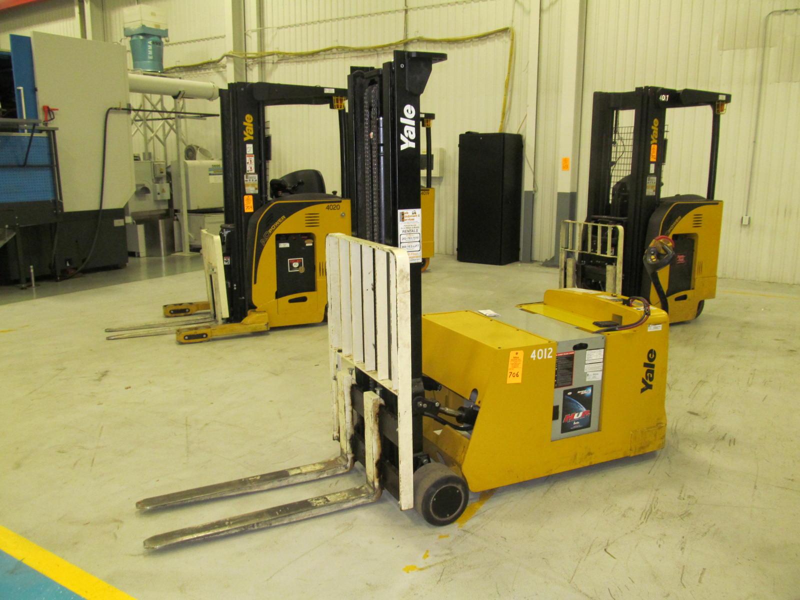Yale Model MCW040LEN24TV083 4000lb Electric Walkie Forklift