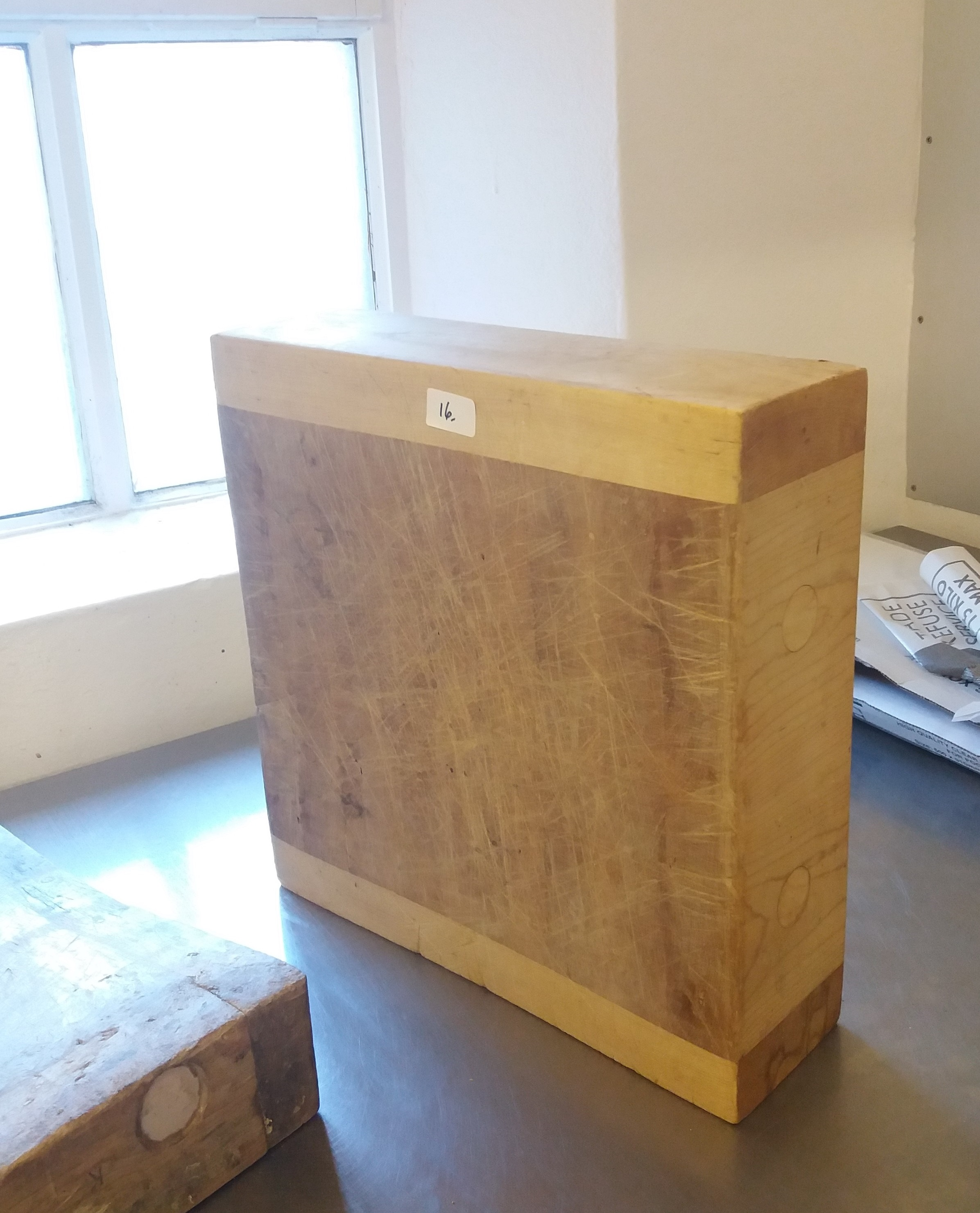 Lot 16 - Maple chopping block 400mm x 400mm