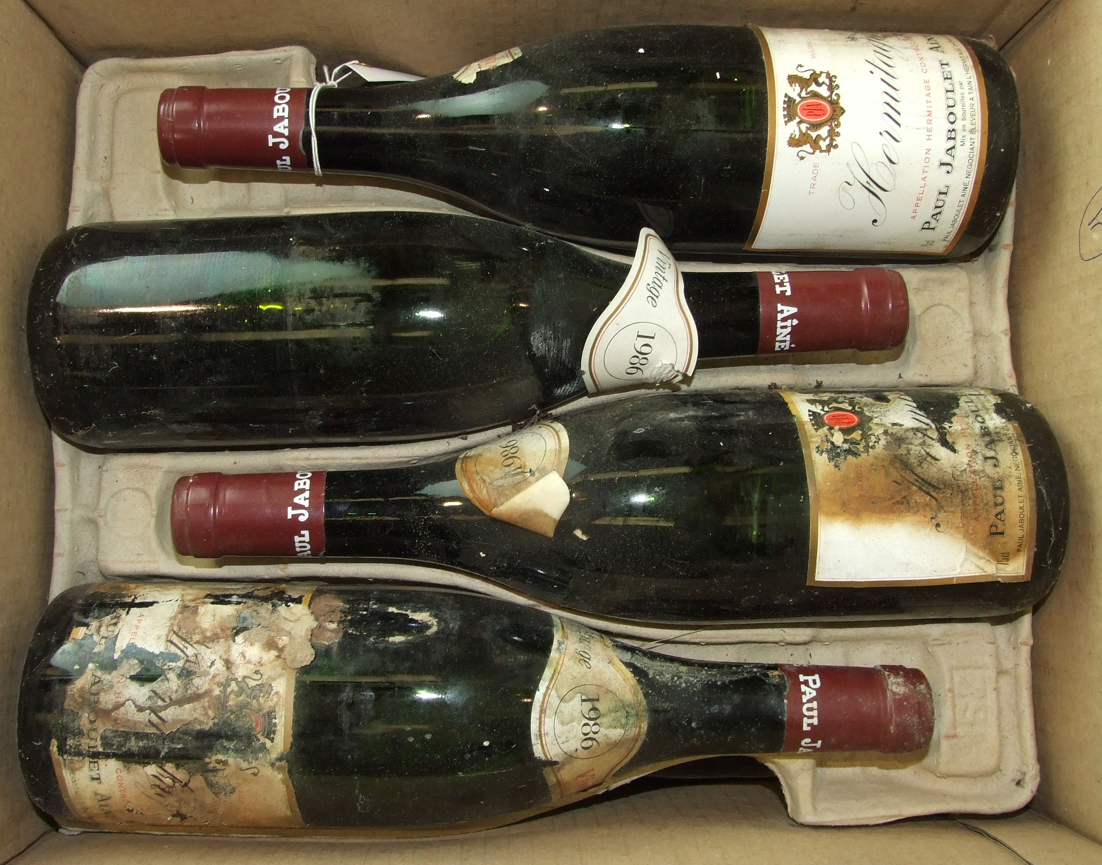 Lot 11 - France, Hermitage Jaboulet 1986, high shoulder, cardboard box, mixed, damaged labels, twelve