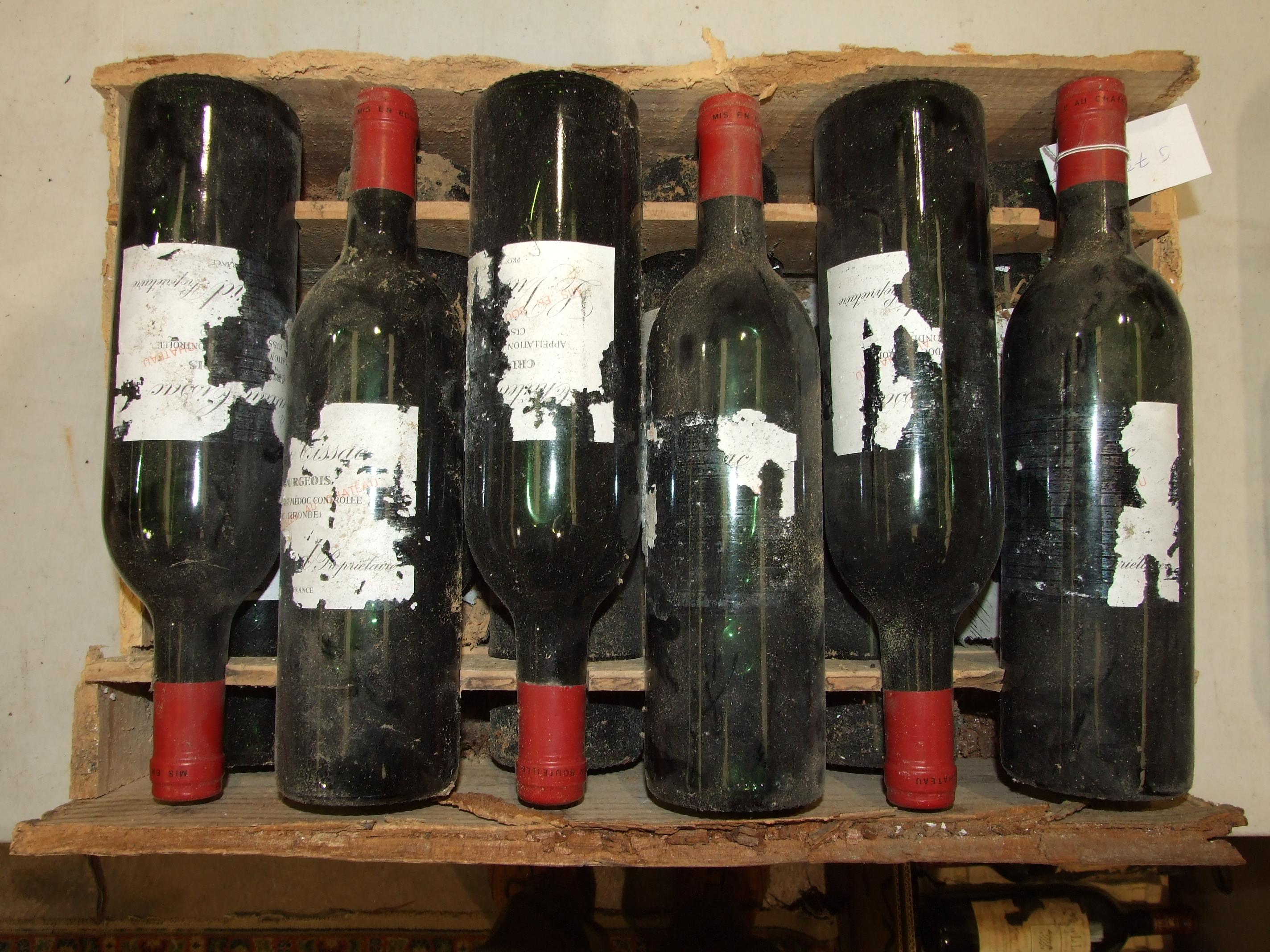 Lot 6 - France, Chateau Cissac Haut Medoc Cru Bourgeois 1984, high shoulder, OWC (damaged), all labels