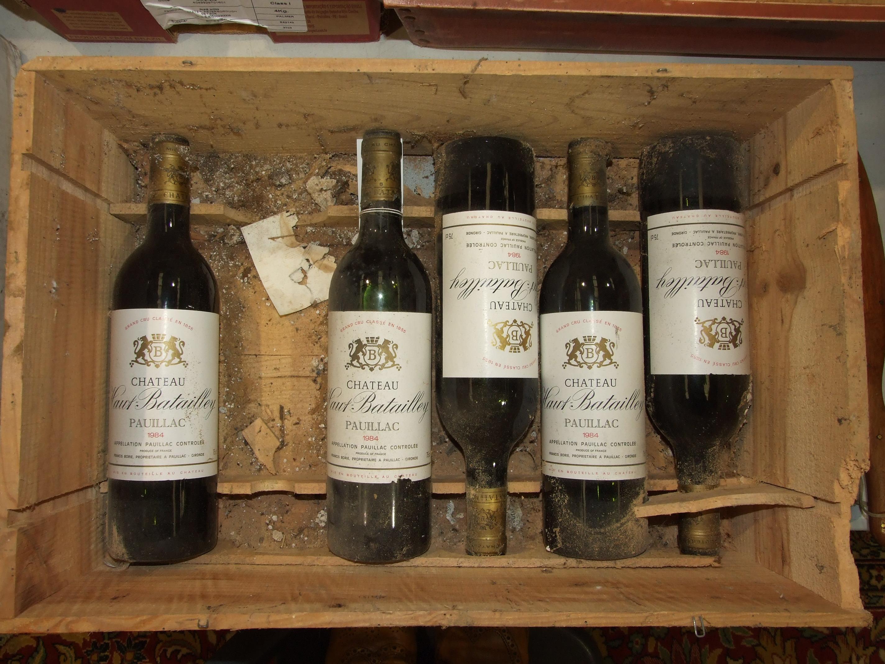 Lot 14 - France, Chateau Haut Batailley Paulliac 1984, high shoulder, good labels, five bottles, (5).