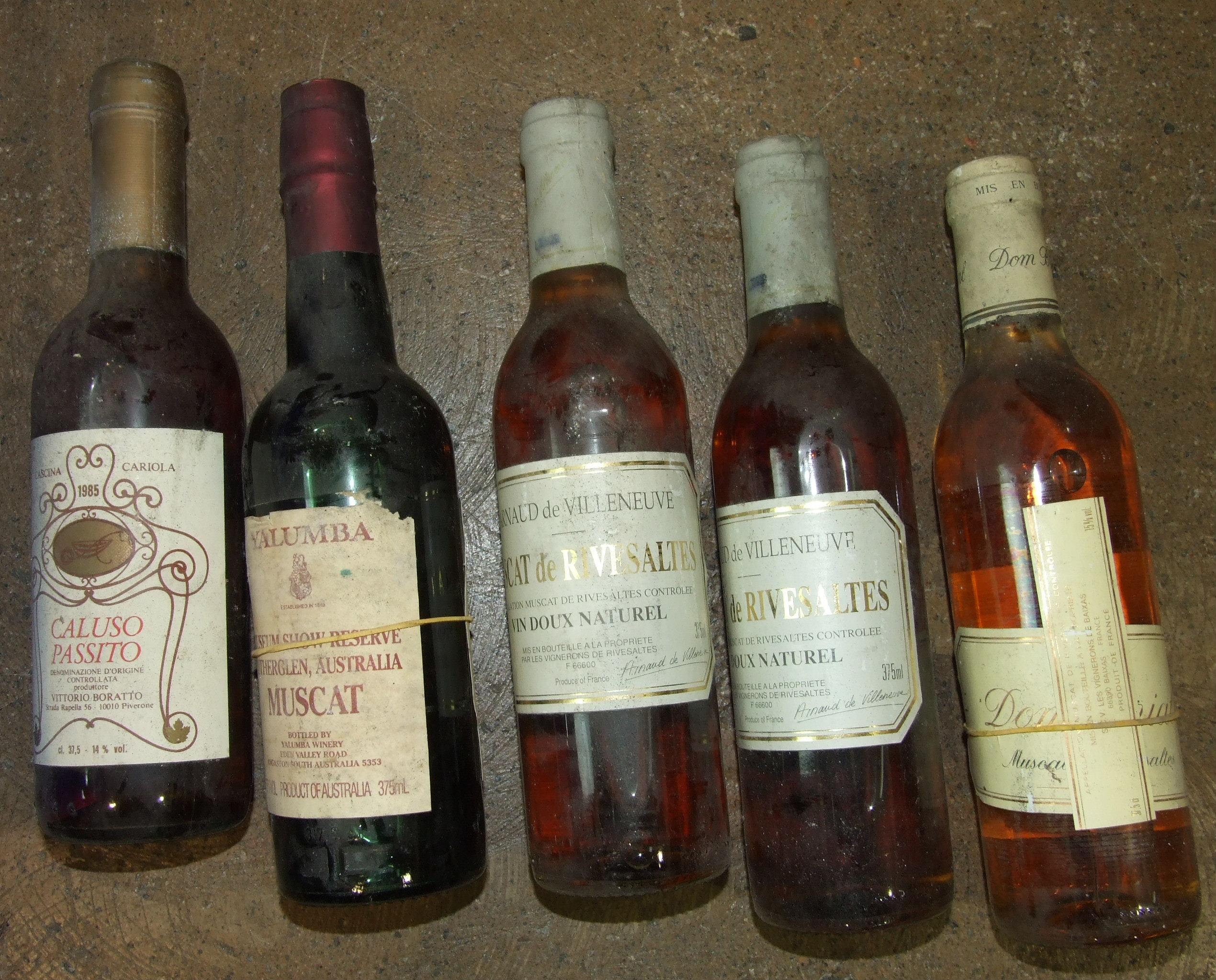 Lot 48 - A mixed lot of mainly aged dessert wines, 37.5cl, fifteen bottles, (15).