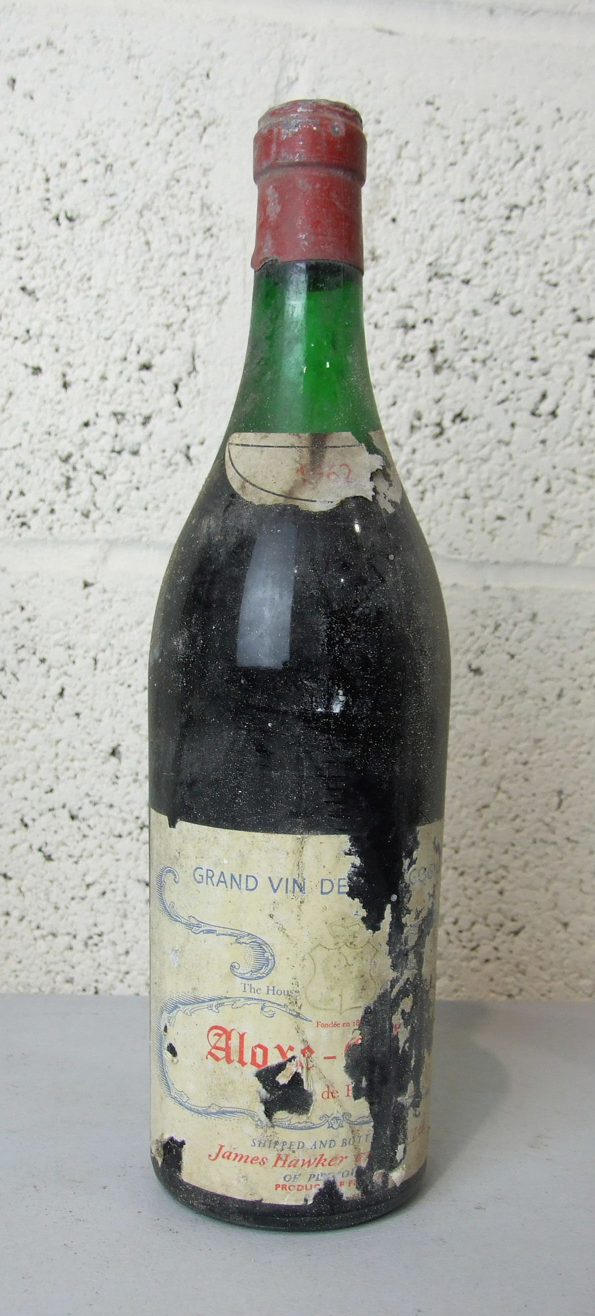 Lot 17 - France, Aloxe Corton Grand Vin de Bourgogne 1962, high shoulder, shipped and bottled by James Hawker
