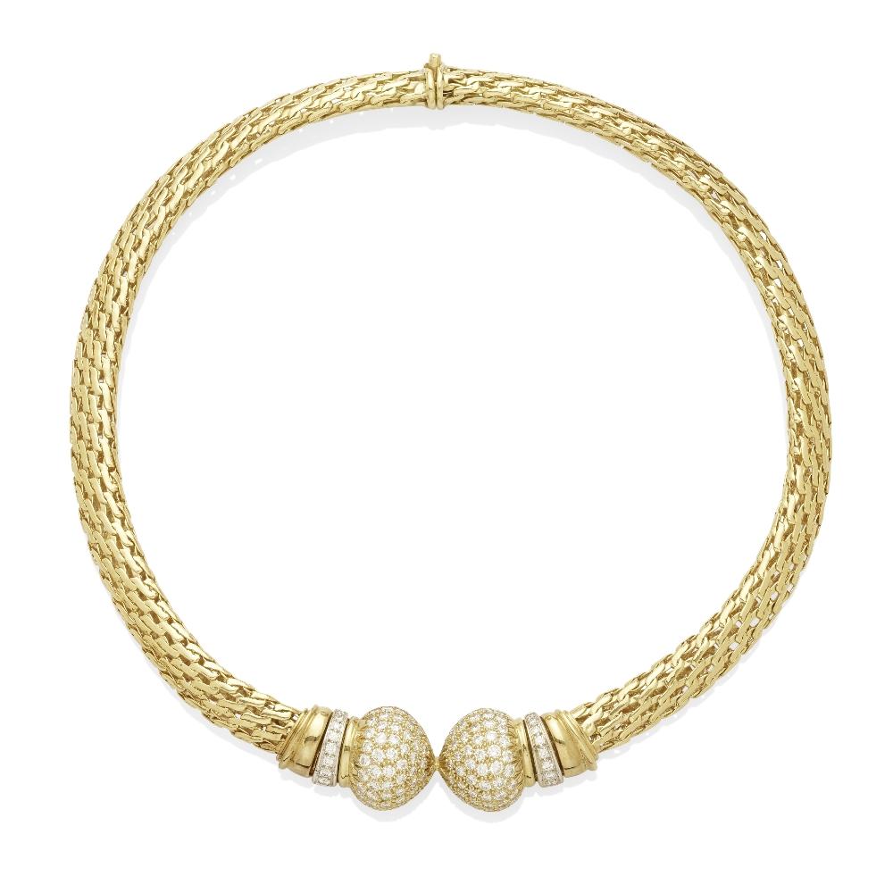 A pavé diamond collar necklace
