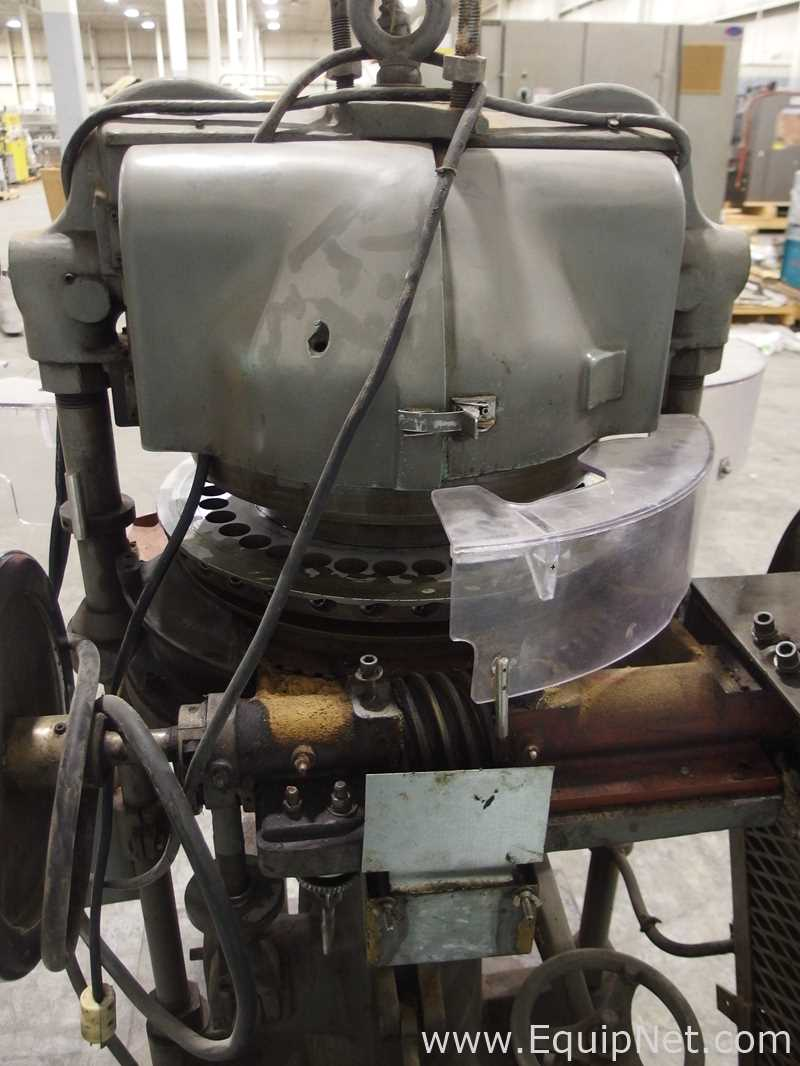 FJ Stokes Machine Co 513-1 35 Station Rotary Tablet Press - Image 11 of 15