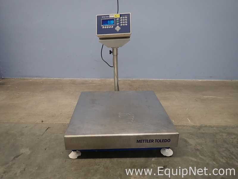 Mettler Toledo CBU300X Scale With IND560 Weighing Terminal