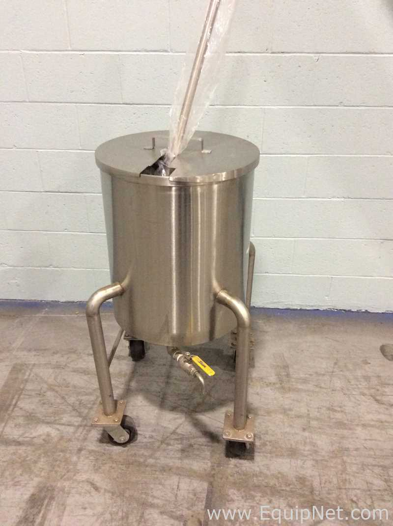 Unknown Manufacturer Approximately 20 Gallon Storage Tank