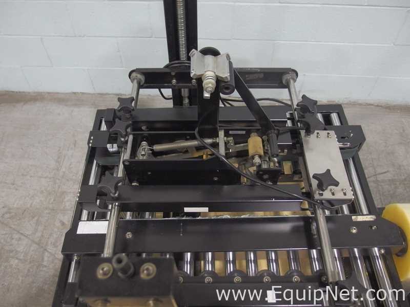 Lot 52 - Internet Packaging 700-20-1 Top and Bottom Champion Case Sealer
