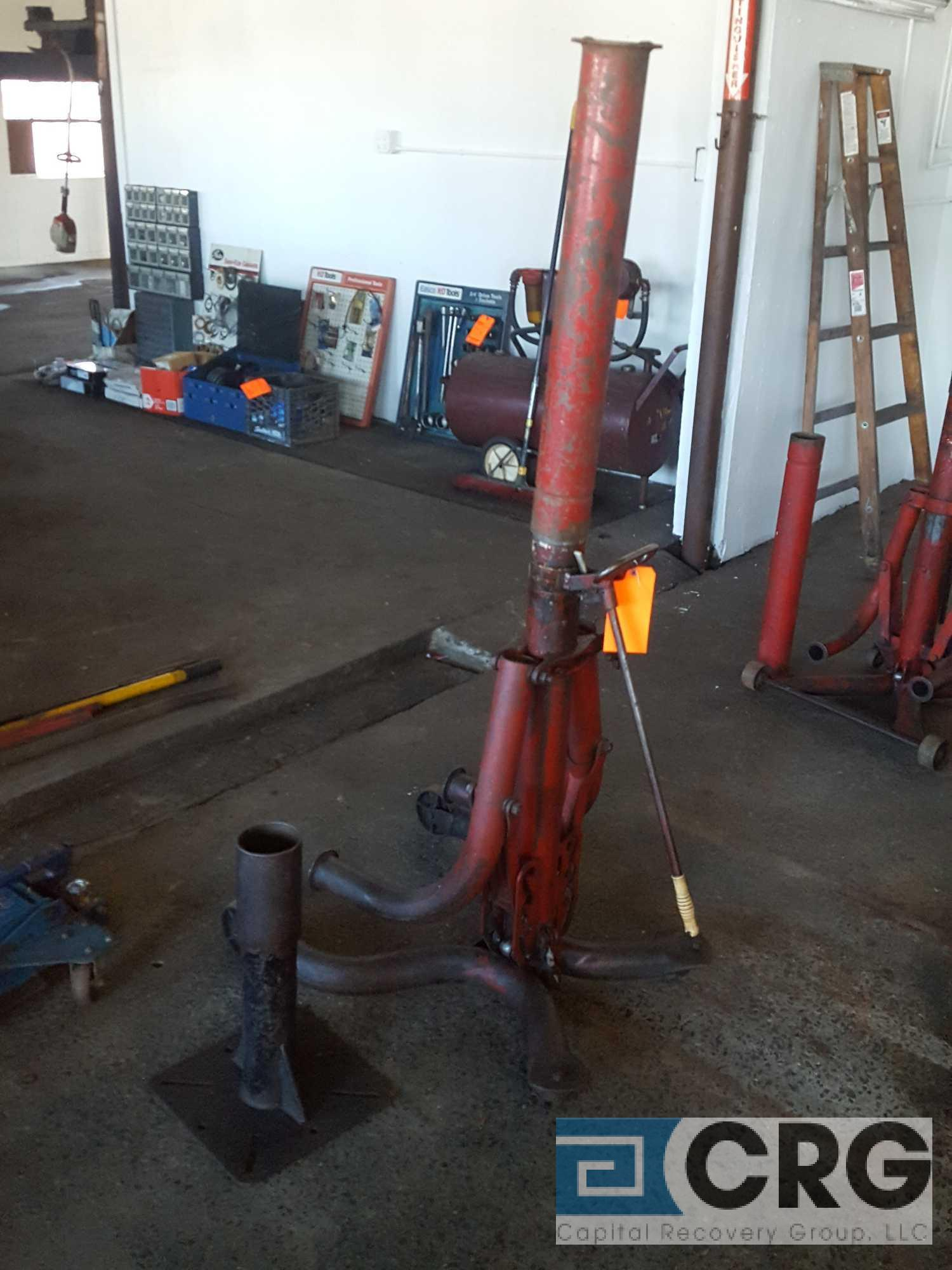 Milwaukee portable bumper jack, m/n not available, 4,000 lb. cap. - Image 2 of 3