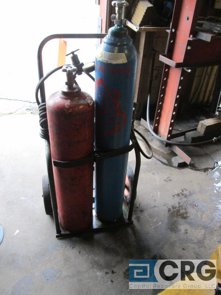 Portable cut and weld unit with tanks, regulators, hose, torches, and cart - Image 2 of 4