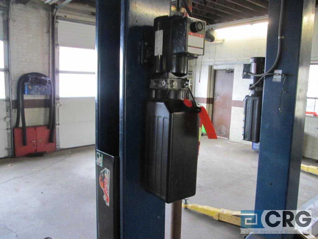 2008 Versymmetric Challenger CLFP9 2 post hydraulic auto lift, 9,000 lb. cap., 230 V, 20 amp, 1 - Image 2 of 3