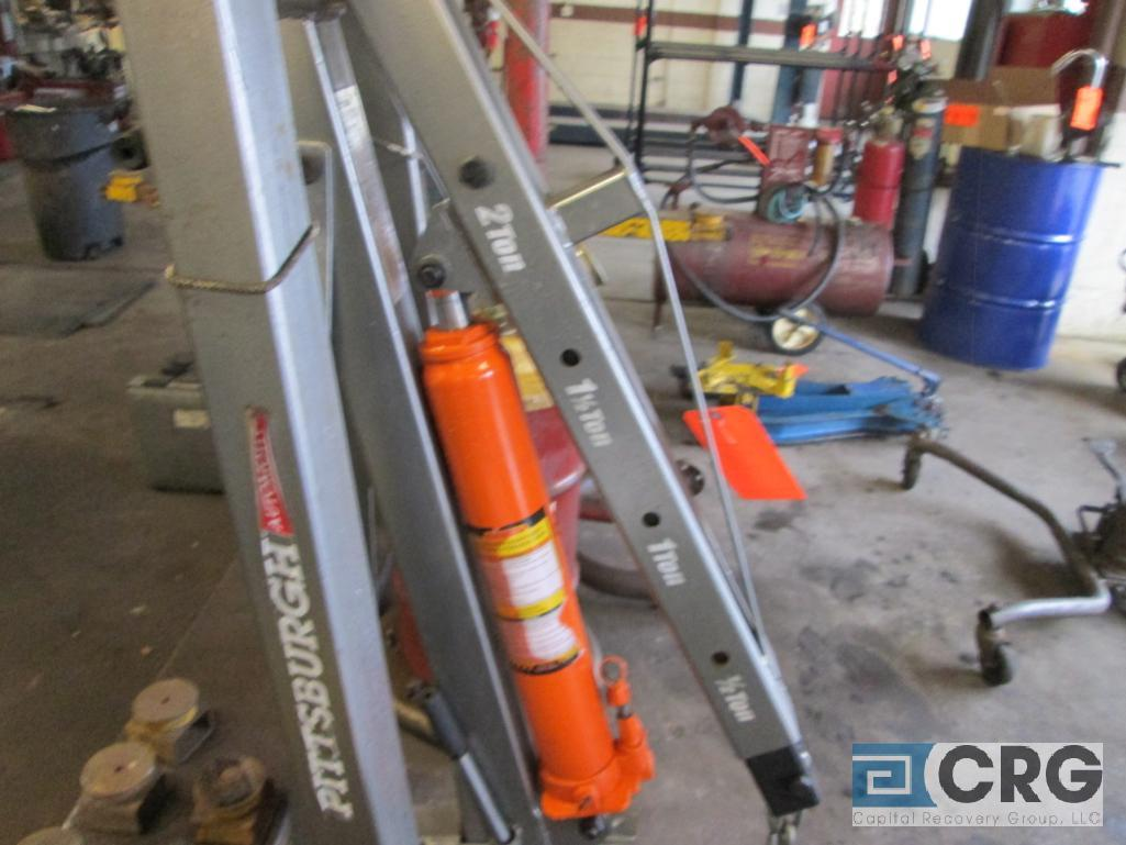 Pittsburg Automotive portable engine crane with 2 ton cap. Hydraulic jack - Image 3 of 4