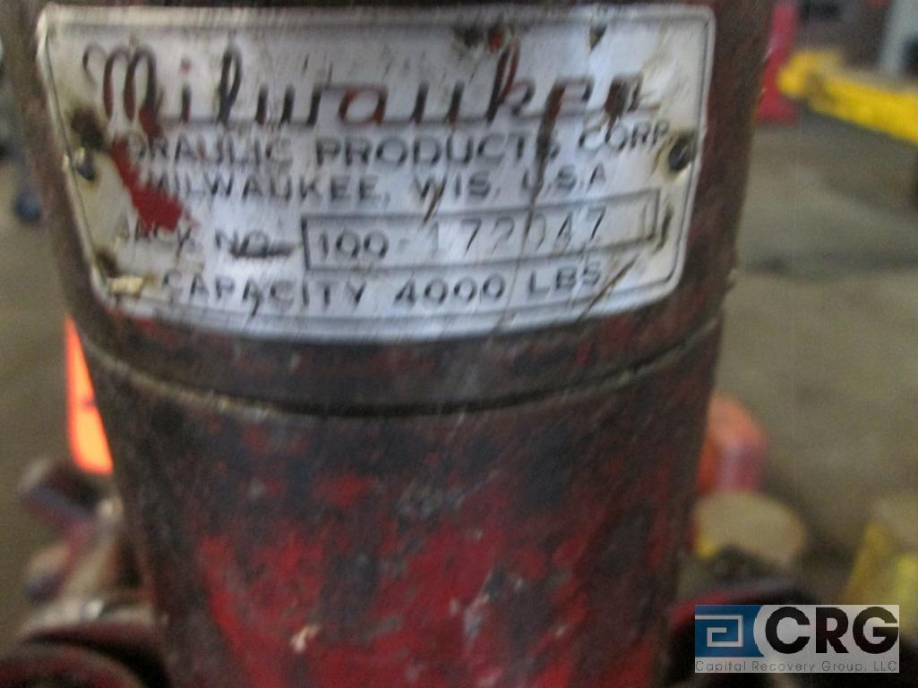Milwaukee 100-172047 portable bumper jack, 4,000 lb. cap. - Image 3 of 3