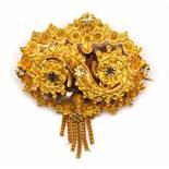 14krt. Gouden broche, 19e eeuw,behorend tot de Brabantse klederdracht. Met S-vormig ornament,