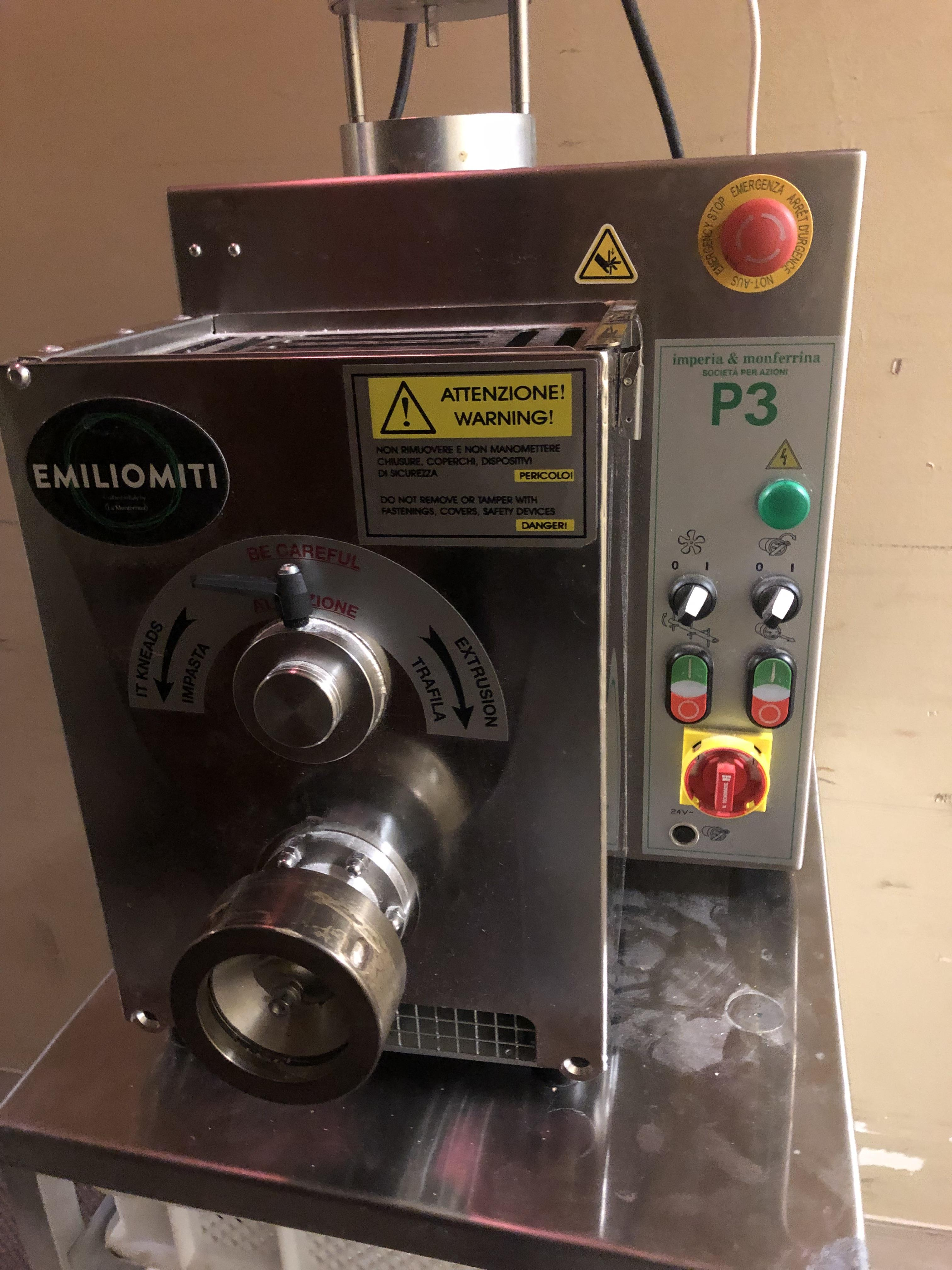 Lot 34 - AUTOMATIC PASTA MACHINE LIKE NEW IMPORTED FROM ITALY