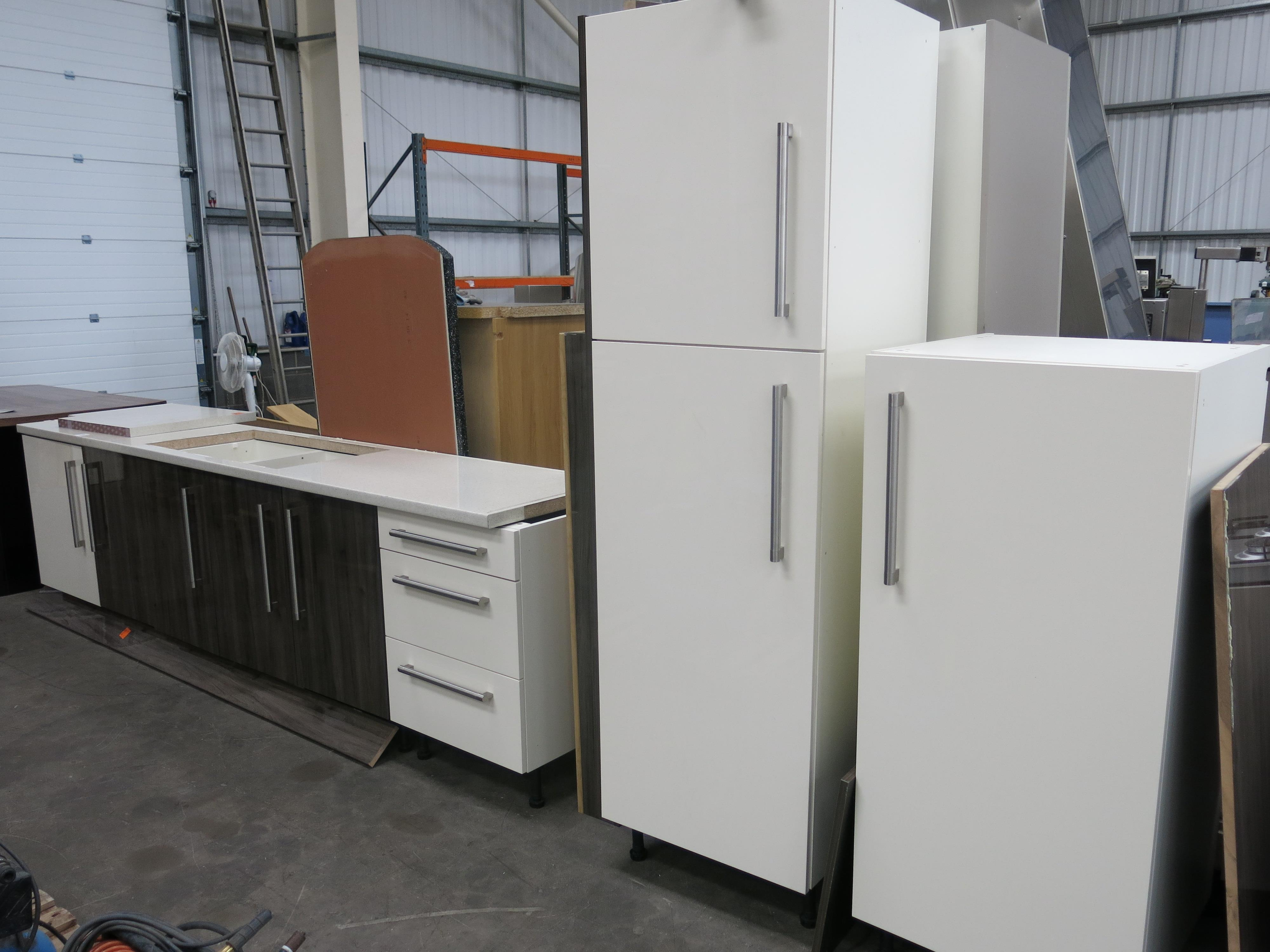 Ex display kitchen units comprising 1 x long worktop unit for Wood effect kitchen units