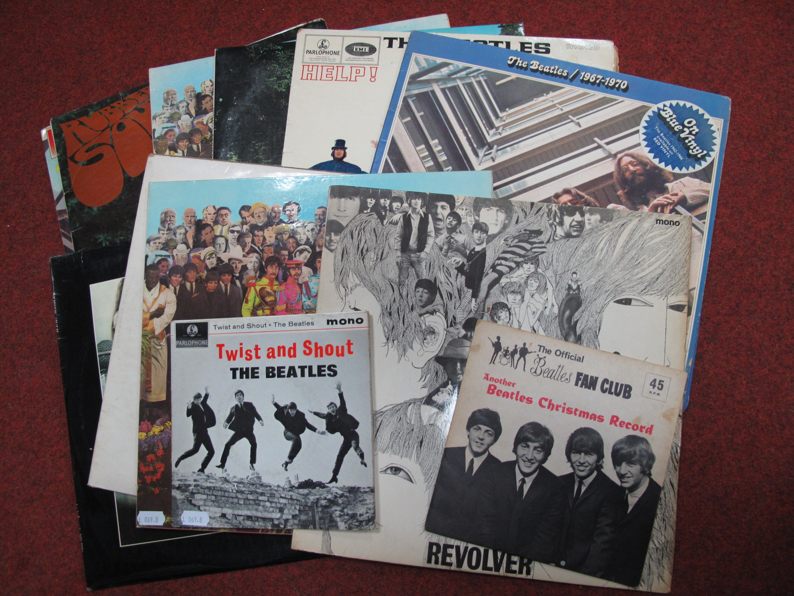 Lot 752 - Beatles Interest - A nice collection to include 'Another Beatles Christmas Record' flexidisc, '