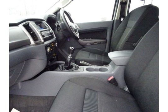 Ford Ranger 2.2 TDCI XLT Edition Double Cab - 2018 Model - 1 Owner From New - Service History - 4x4 - Image 3 of 12