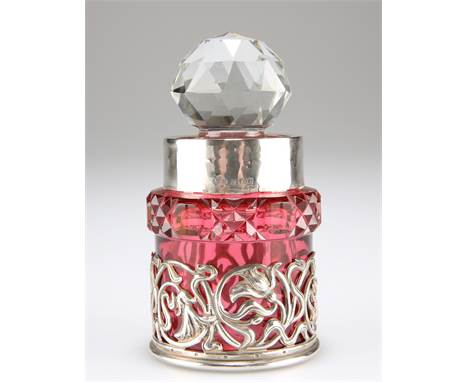AN ART NOUVEAU SILVER-MOUNTED CRANBERRY GLASS PERFUME BOTTLE, by William Hutton & Sons Ltd, Birmingham 1906, cy