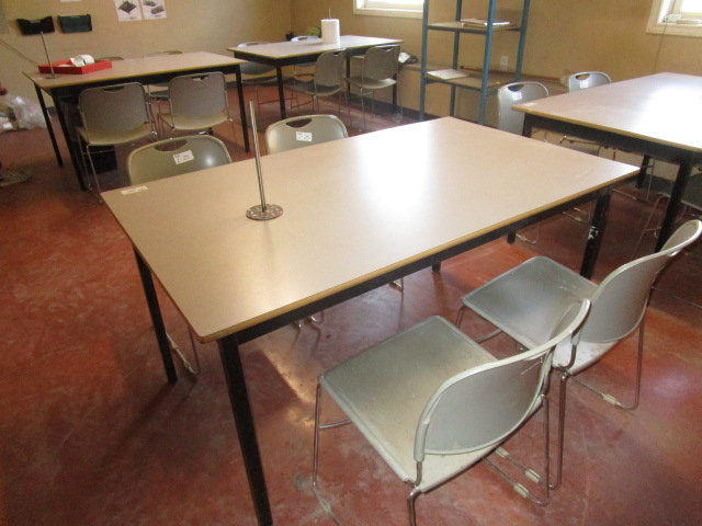 Lot 25 - 5' Table with 4 Chairs